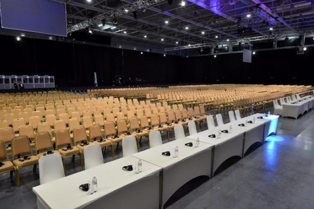 Konferencia_Szekek